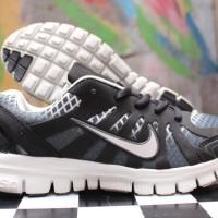 sepatu nike hitam
