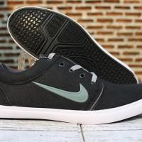 (sepatu casual,sekolah,main) Sepatu Nike Roshe One Hitam Strip Silver