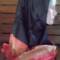 Hijab umama segi 4 hitam
