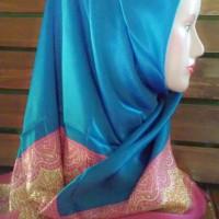 Hijab umama segi 4  biru