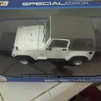 Jeep Wrangler Sahara Maisto 1/18 White Putih
