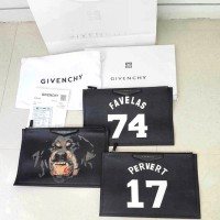 Clutch Givenchy Favelas 74, Pervert 17, Mad dog Premium Black