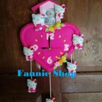 harga Jam Dinding Boneka Pluz Frame Pink Hello Kitty Tokopedia.com