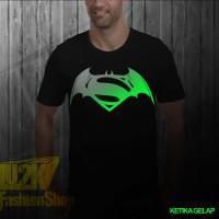harga Kaos Batman Vs Superman Logo Glow In The Dark Super Heroes Dc Logo L2k Tokopedia.com
