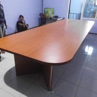 Meja rapat besar dan luas bahan kayu kapasitas 20 orang - Semarang