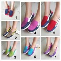 Sepatu Crocs Walu Canvas Loafer Women