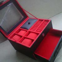 Box Jam Tangan Isi 4 Mix Aksesoris Hitam Dalam Merah