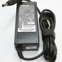 ADAPTOR TOSHIBA SATELLITE L10 L40 L45 L25 L15 - 19V 3.42A ORIGINAL