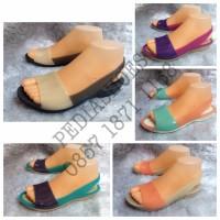 harga Sepatu Flat / Flat Shoes Crocs Colorblock Women (GROSIR dan ECERAN) Tokopedia.com