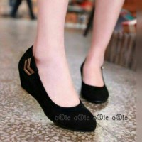 Sepatu sandal wanita cantik (keterangan lebih lengkap klik gambar)