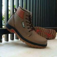 Sepatu Boot Kickers Sol Tracking Gunung