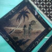 Lukisan serbuk teh kerajinan tangan nias gambar pantai