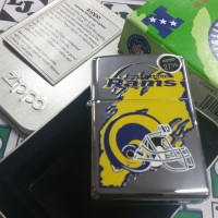 Zippo NFL Rams Rare 1997 (F XIII) New High Polish Chrome