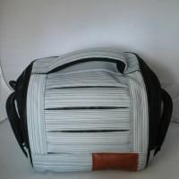 Tas Sandang Kamera / Camcorderkecil Abu2 Putih Kode 414