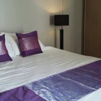 Set Sarung Bantal dan Bed Runner