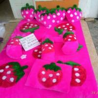karpet Strawberry