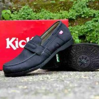 sepatu santai casual kickers azum slip on