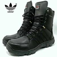 harga Sepatu boot lapangan gurun sepatu gunung pria adidas tracking NH8 Tokopedia.com