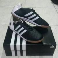 Sepatu Futsal Adidas 11 Pro Black White