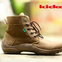 sepatu boot kickers pria coklat muda