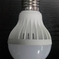 Lampu LED bohlam DC 12 V  7 W untuk AKI / Solar cell / Emergency