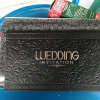 undangan pernikahan hardcover black n white istimewa