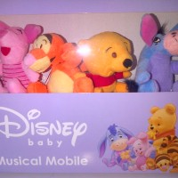 Mainan Disney Pooh Musical Mobile