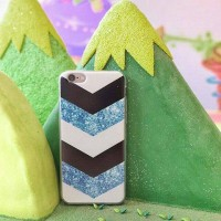 V Case for iPhone 4/4S/5/5S/6/6S/6+/6S+, Samsung Galaxy Grand Prime/J5