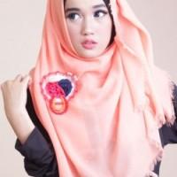 Jilbab Segi Empat Rawis - Peach