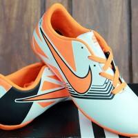Sepatu Futsal Nike Lunar Gato Anak Putih Orange (Bola,Nike,Anak,Puma)