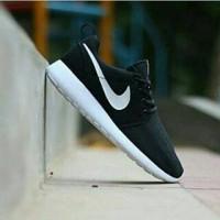 Sepatu Nike Rosh Run Hitam Putih Vietnam 39-44