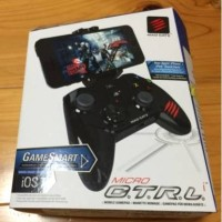 Mad Catz C.T.R.L.i Mobile Gamepad Made For Apple IPod, IPhone, and IPa
