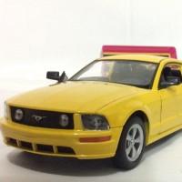 2005 FORD MUSTANG GT (KUNING) - SKALA 1;24 - WELLY (DIECAST-MINIATUR)