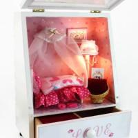 Jual Dollhouse DIY Ranjang Putri Lampu LED, Akrilik & Music 14x7x18cm SCB Murah