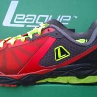 harga sepatu running LEAGUE zip run red Tokopedia.com