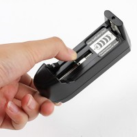 harga (Single) Universal Desktop Charger BAterai Battery AA Ultrafire 18650 Tokopedia.com