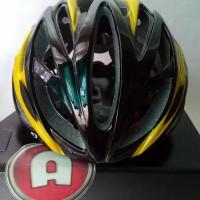 Helm Sepeda Giro Livestrong - Kuning Hitam Berkualitas