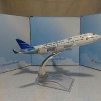 Miniatur Pesawat Garuda indonesia mesin 2