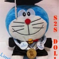 Jual Boneka Wisuda Doraemon | Hadiah Wisuda Boneka Doraemon | Kado Wisuda Murah