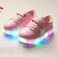 Sepatu LED PINK (Sepatu keren dengan lampu LED warna warni)