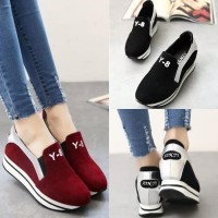 harga sepatu slip on sneaker beludru maroon hitam import 70539 Tokopedia.com