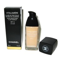 Chanel vitalumiere satin smoothing fluid makeup #20 Clair