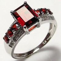 harga Cincin Wanita Gorgeous Halo Red Garnet 18k Gold Filled. Tokopedia.com