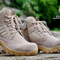 harga sepatu safety boots original moofeat delta radial everest cream Tokopedia.com