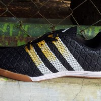 sepatu adidas futsal termurah keren olahraga futsal bola lari cr7 joma