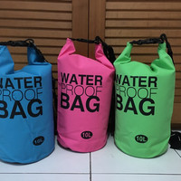 harga Dry Bag / waterproof bag  2-5-10-20-30 liter Tokopedia.com