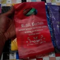 harga Kantong Plastik / Kresek Plastik Lebel Sablon Toko Parfum Tokopedia.com