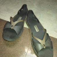 harga preloved/second/bekas sandal TRISET original Tokopedia.com