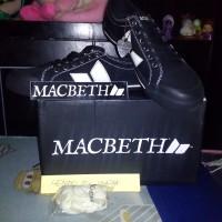 Macbeth Eliot Black Cement