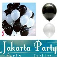 Balon Metalik Hitam dan Putih